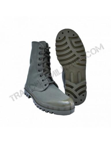 Chaussures de brousse...