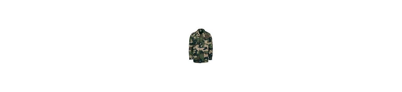 Découvrez notre sélection de t-shirts, chemises et vestes pour l'airsoft